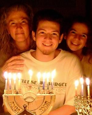 "Jonah, Ellen, Aiden & ""Cheeseburger"" 9th Night of Hanukkah January 2008"